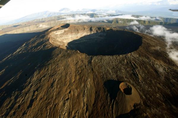 reunion-kalandnyaralas-tura-vulkan-piton-de-la-fournaise-tuzhanyo-krater6A7F9F72-C363-5E9D-9538-A46B96E3A71E.jpg