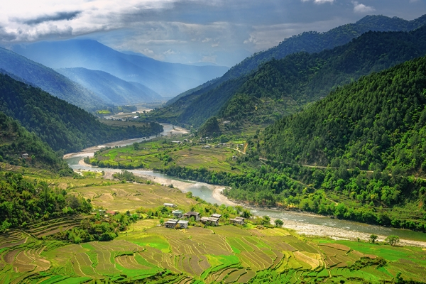 bhutan-magashegyi-tura-3516252E31-EB1A-666A-EC71-989455E23087.jpg