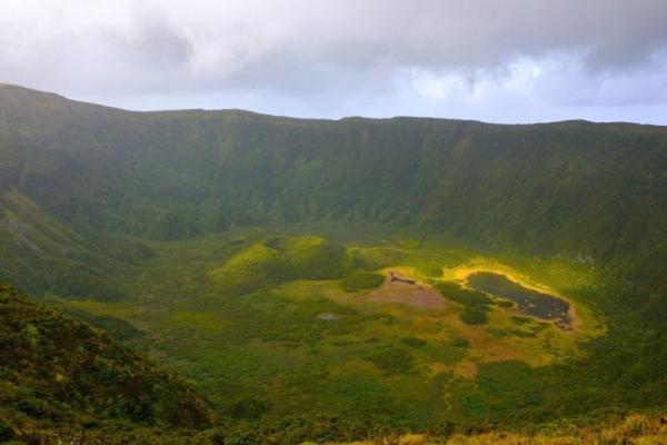 kalandnyaralas-tura-azori-szigetek-2-faial-flores-pico-34818740A2-556D-CF00-EBE8-FF01E1666B89.jpg