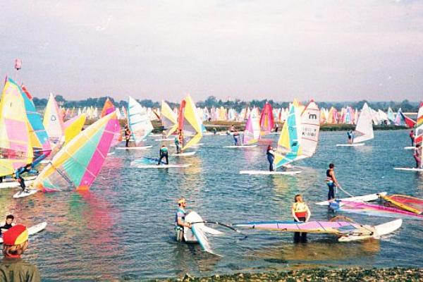 windsurf-old7A8CCD8D-A8E1-CF3F-479E-3EBB774CC789.jpg