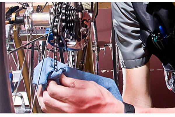 bike-repair42F5A349-69B7-A10D-3A1C-D65270D03546.jpg