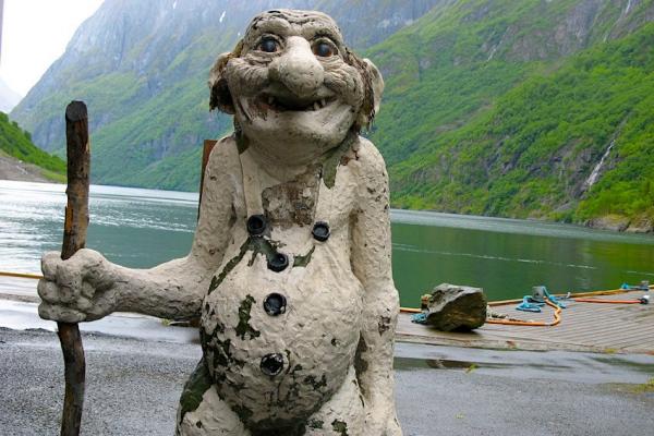 norvegia-via-ferrata-kalandtura-231866F7BB-8E11-3869-F2BE-749DA937C5DB.jpg