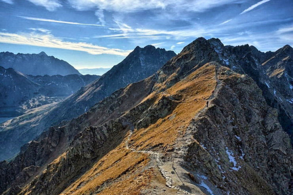 sas-ut-tura-magas-tatra-legizgalmasabb-hegyi-utvonala-20F9685C5-DC7E-EB4D-828D-B033746F9735.jpg