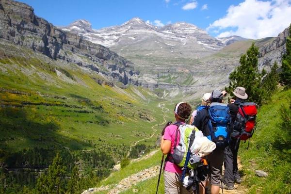 pireneusok-magashegyi-gyalogtura-monte-perdido-1733447ADF-0B3E-AD3C-28AA-E694F510AF9C.jpg