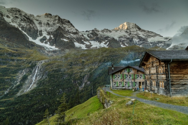 svajc-trekking-tura-hinteres-lauterbrunnental-eiger-monch-jungfrauBB057E9C-0E64-EF7F-8B12-286A6B74706E.jpg